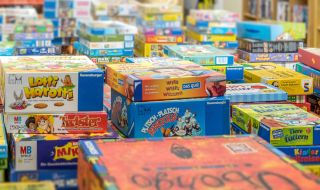 dcb52f1040a57 ... Gebrauchte Spiele und Spielzeug bei Stilbruch in Hamburg Stilbruch  Altona Second-Hand ...